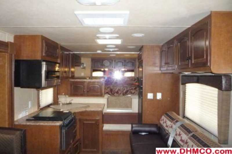 4 Horse Bison Stratus Horse Trailer With Living Quarters