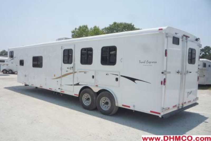 New 2012 Bison 3 Horse Slant Trailer
