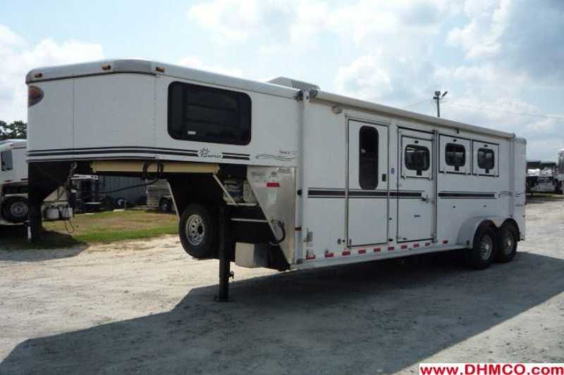 Sundowner horse trailer for sale used 2005 3 horse trailer for Shop with living quarters for sale