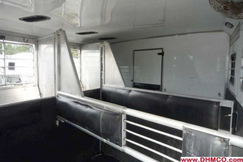 Used 2003 Sundowner 3 Horse Slant Trailer