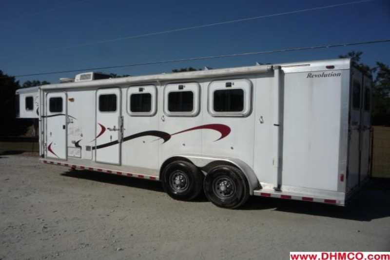 Sooner horse trailer for sale used 2001 4 horse trailer for Shop with living quarters for sale