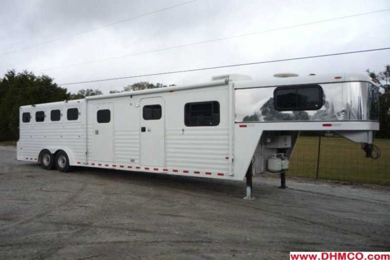 Used 4 Horse Bloomer Horse Trailer With Living Quarters