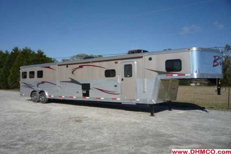#01873 - New 2012 Bison Stratus 8317GLQSD 3 Horse Trailer with 17' Short Wall
