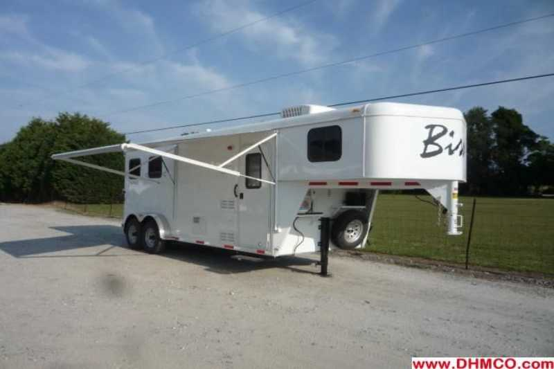 #02092 - New 2012 Bison Trail Hand 7206S 2 Horse Trailer with 6' Short Wall
