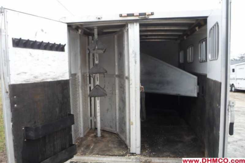 Used 2005 Exiss 3 Horse Slant Trailer