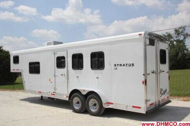 New 2012 Bison Stratus 3 Horse Slant Trailer