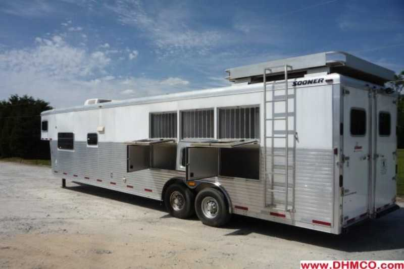 #32397 - Used 2005 Sooner 8317LQ Sierra 3 Horse Trailer  with 17' Short Wall