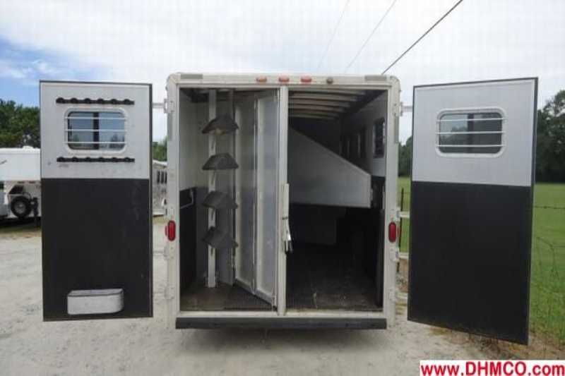 Used 2003 Exiss 4 Horse Slant Trailer