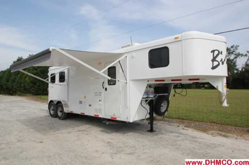 #02470 - New 2013 Bison Trail Hand 7208 2 Horse Trailer with 8' Short Wall