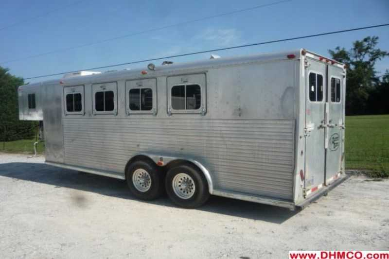 #00485 - Used 1995 Sooner 2H 2 Horse Trailer  with 8' Short Wall