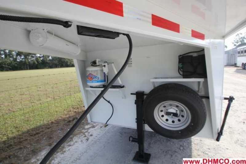 New 2013 Bison 2 Horse Slant Trailer