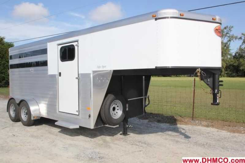 #A6650 - New 2013 Sundowner SS3HGN 3 Horse Trailer with 2' Short Wall