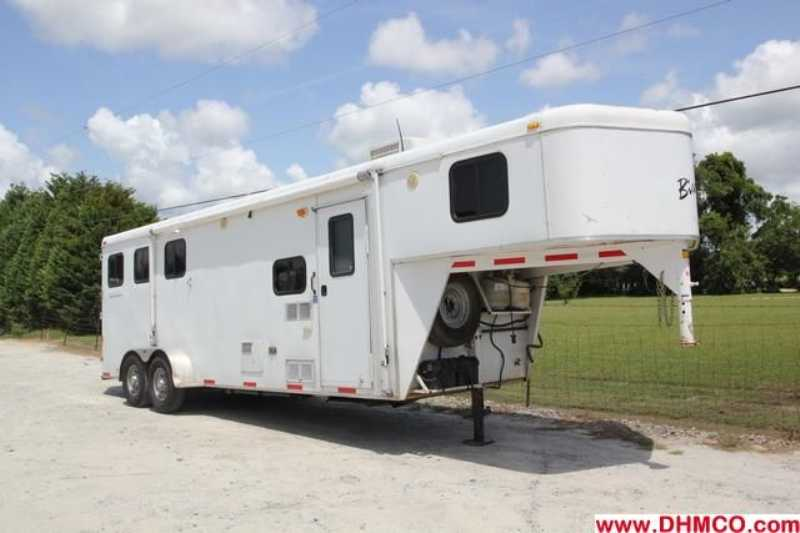 #09248 - Used 2007 Bison 7380 TE 3 Horse Trailer  with 8' Short Wall