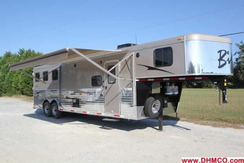 #2587s - New 2013 Bison Trail Express 8310LQ 3 Horse Trailer with 10' Short Wall