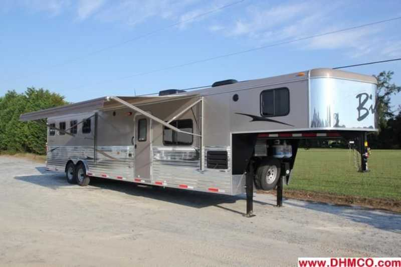 #02594 - New 2013 Bison Ranger 8414LSO 4 Horse Trailer with 14' Short Wall