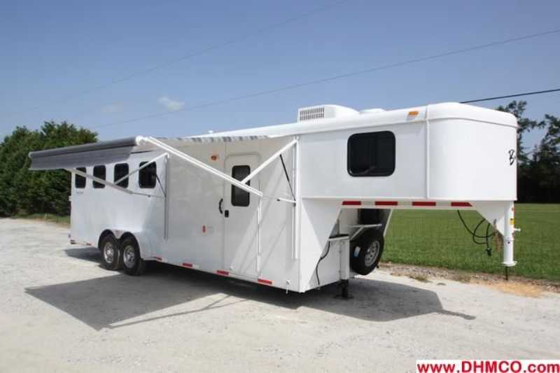 #01586 - New 2012 Bison 7460LQ Dixie Renegade 4 Horse Trailer  with 6' Short Wall
