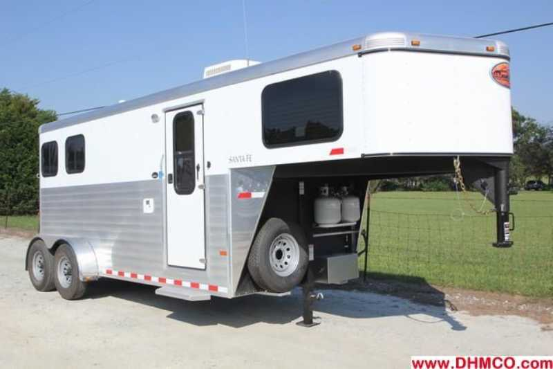 Sundowner horse trailer for sale new 2013 2 horse trailer for Shop with living quarters for sale