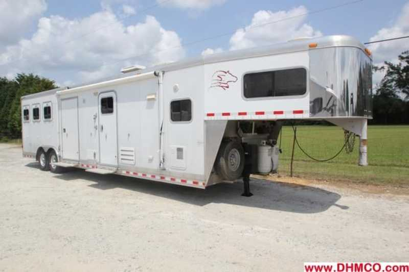 Used 3 Horse Sooner Horse Trailer With Living Quarters