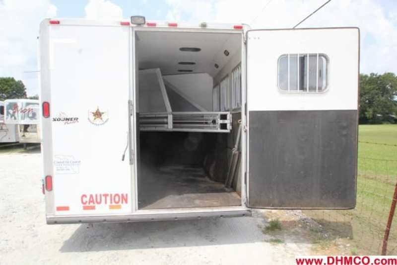 #01161 - Used 2004 Sooner 8314MTGLQ 3 Horse Trailer  with 14' Short Wall