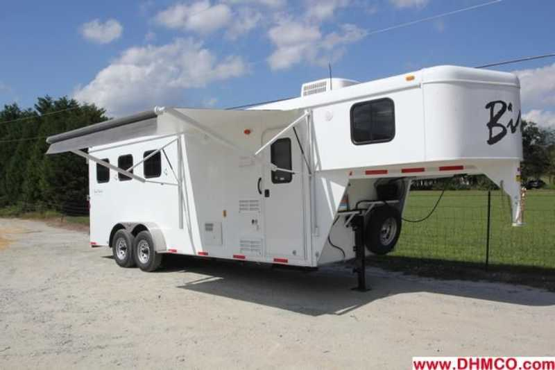 #02604 - New 2013 Bison Trail Hand 7306S 3 Horse Trailer with 6' Short Wall