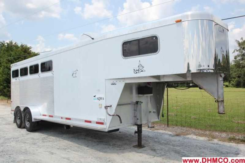 #41190 - Used 1999 CM 4HSL 4 Horse Trailer with 4' Short Wall