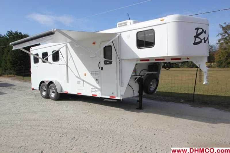 #02684 - New 2013 Bison Trail Hand 7306S 3 Horse Trailer with 6' Short Wall