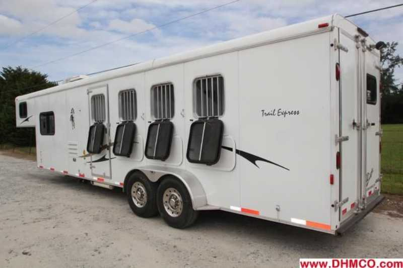#00171 - Used 2009 Bison Trail Express 7410LQ 4 Horse Trailer  with 10' Short Wall
