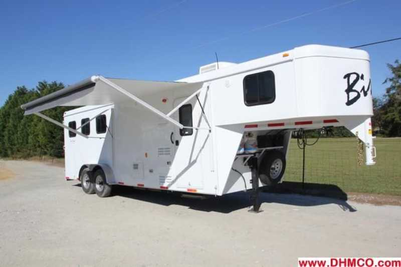 #02702 - New 2013 Bison Trail Hand 7308 3 Horse Trailer  with 8' Short Wall