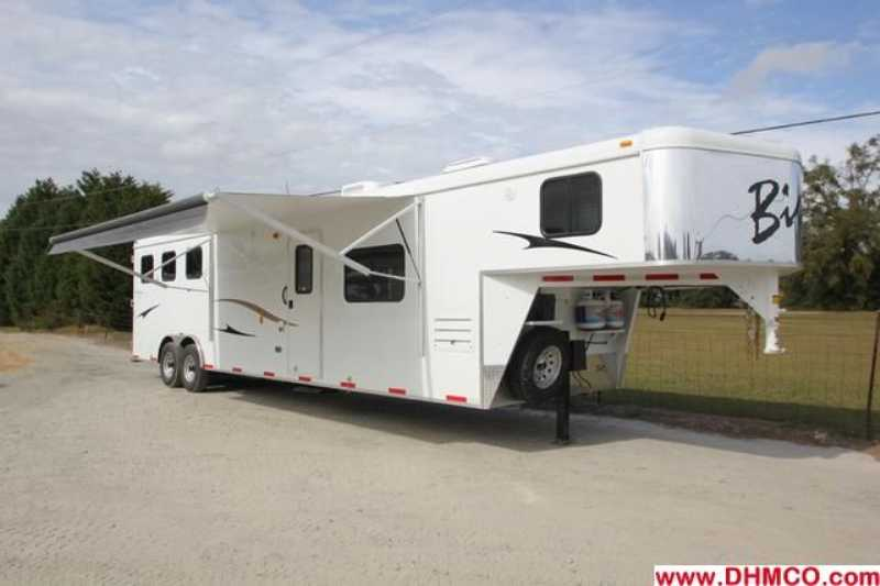 #02718 - New 2013 Bison Ranger 8314L 3 Horse Trailer with 14' Short Wall