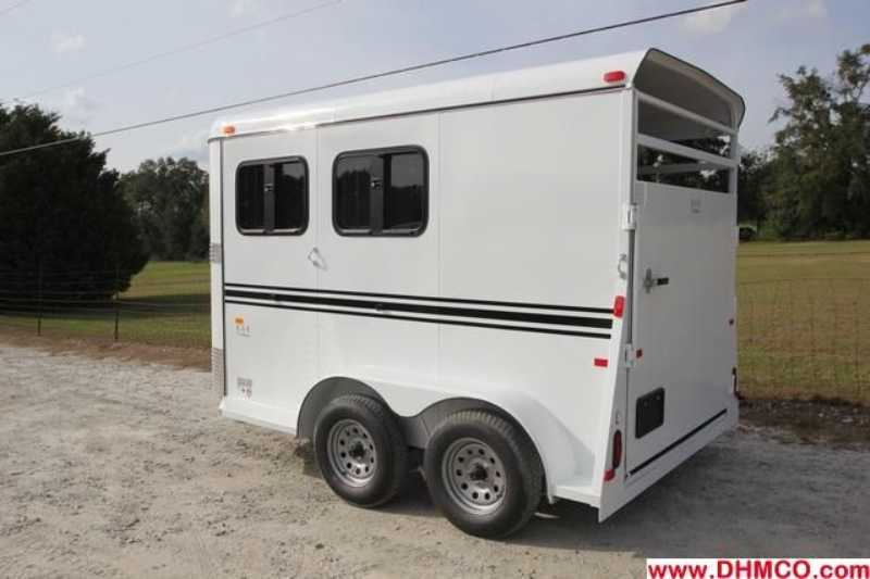New 2013 Bee 2 Horse Slant Trailer