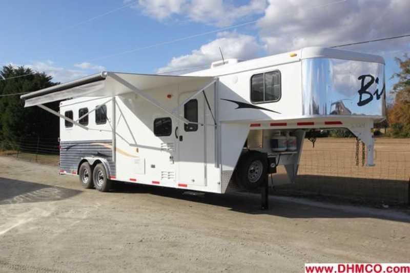 #2724s - New 2013 Bison Ranger 8308SO 3 Horse Trailer with 8' Short Wall