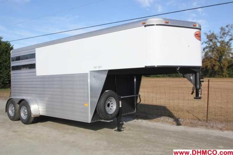 #A6983 - New 2013 Sundowner SS2HGN 2 Horse Trailer with 4' Short Wall