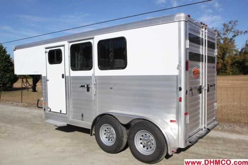 New 2013 Sundowner 2 Horse Slant Trailer