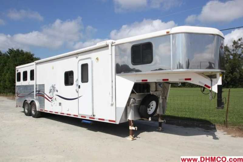 #00126 - Used 2005 American Spirit 8313LQ 3 Horse Trailer with 13' Short Wall