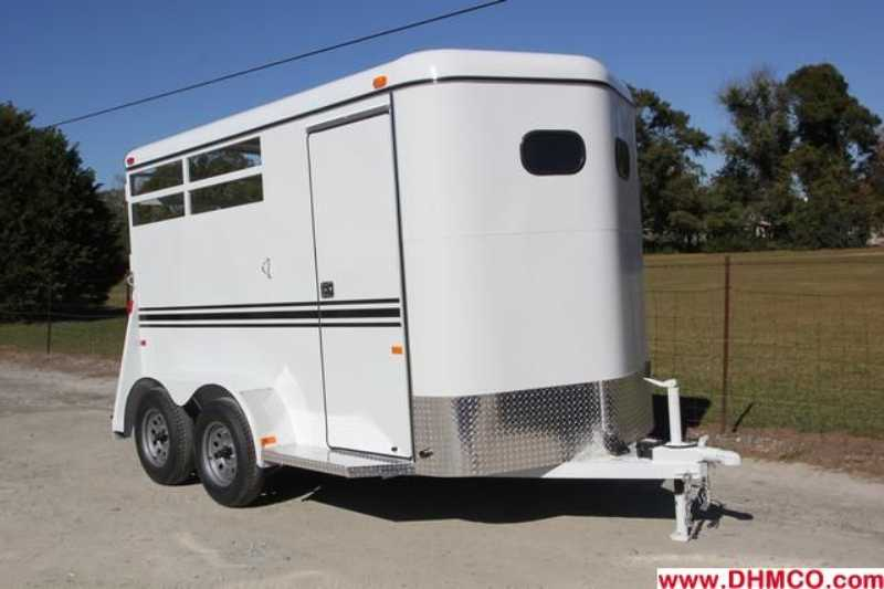 #77617 - New 2013 Bee 2HBPSLDLX 2 Horse Trailer with 2' Short Wall