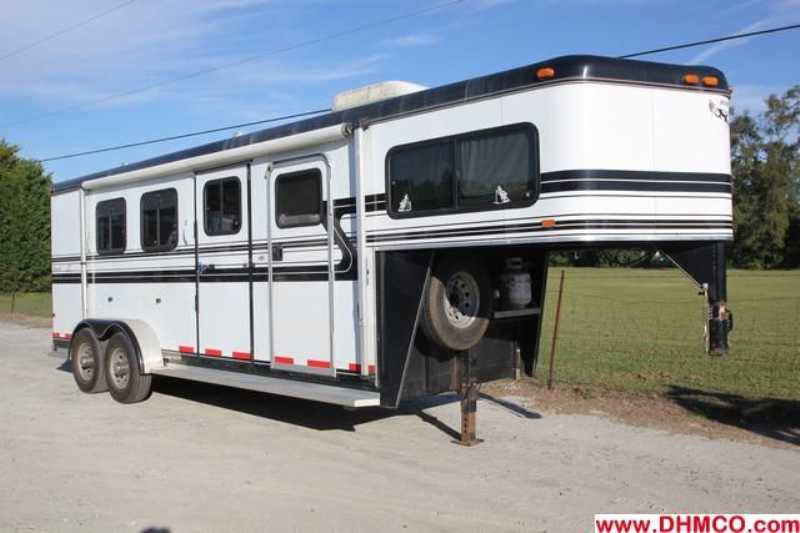 #83981 - Used 2000 Hawk 7360LQ 3 Horse Trailer with 4' Short Wall