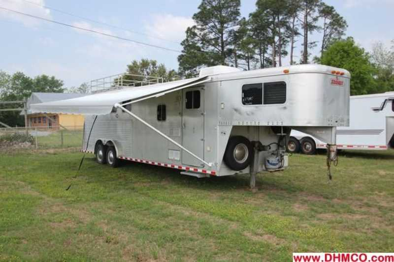 Used 1995 Sooner 4 Horse Slant Trailer