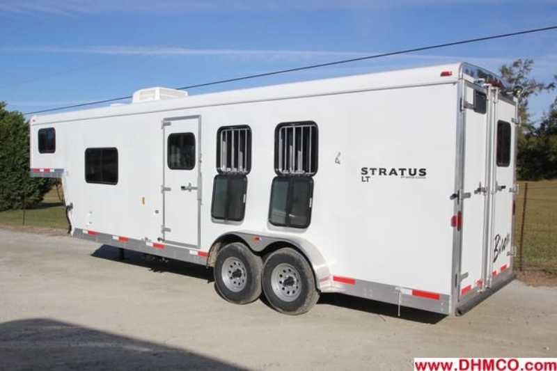 New 2013 Bison Stratus 3 Horse Slant Trailer