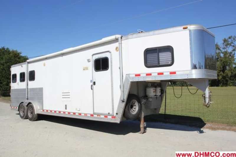 Kiefer built horse trailer for sale used 2003 3 horse for Shop with living quarters for sale