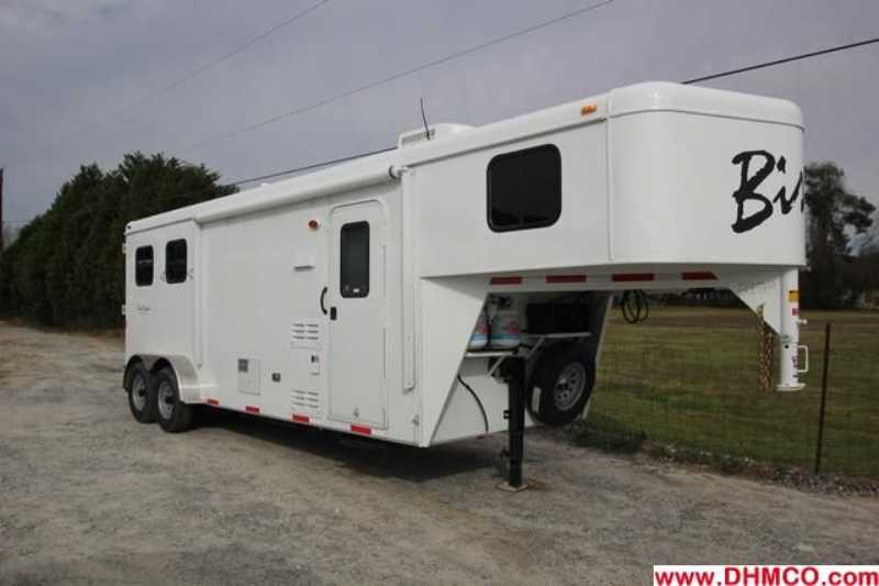 #02829 - New 2013 Bison Trail Hand 7208 2 Horse Trailer with 8' Short Wall