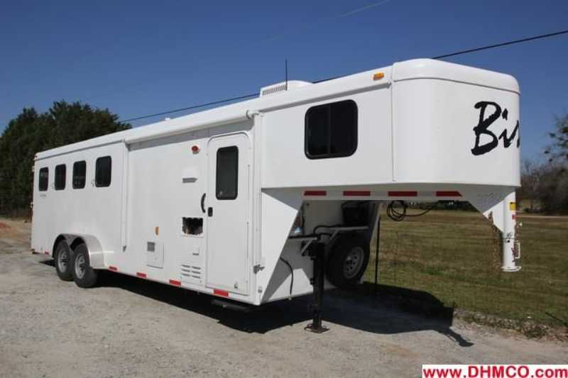 #02830 - New 2013 Bison Trail Hand 7406S 4 Horse Trailer  with 6' Short Wall