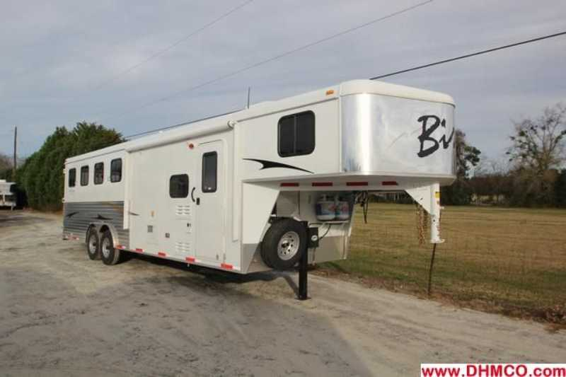 #02832 - New 2013 Bison Trail Express 8480GLQ 4 Horse Trailer with 8' Short Wall