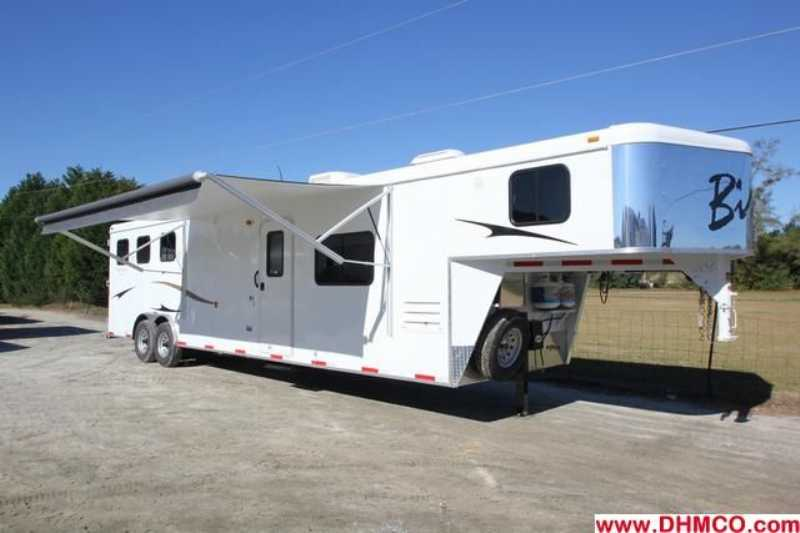 New 2013 Bison 3 Horse Slant Trailer