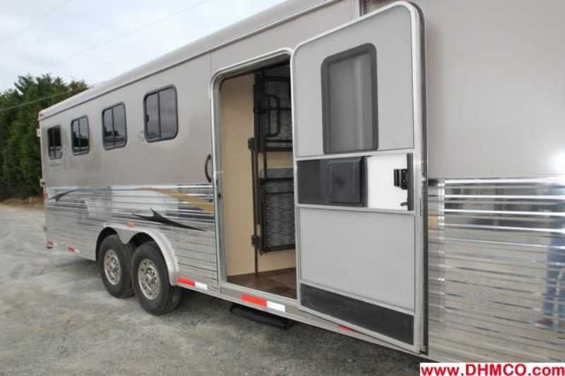 #02942 - New 2013 Bison Ranger 8414LSOBKMT 4 Horse Trailer  with 14' Short Wall