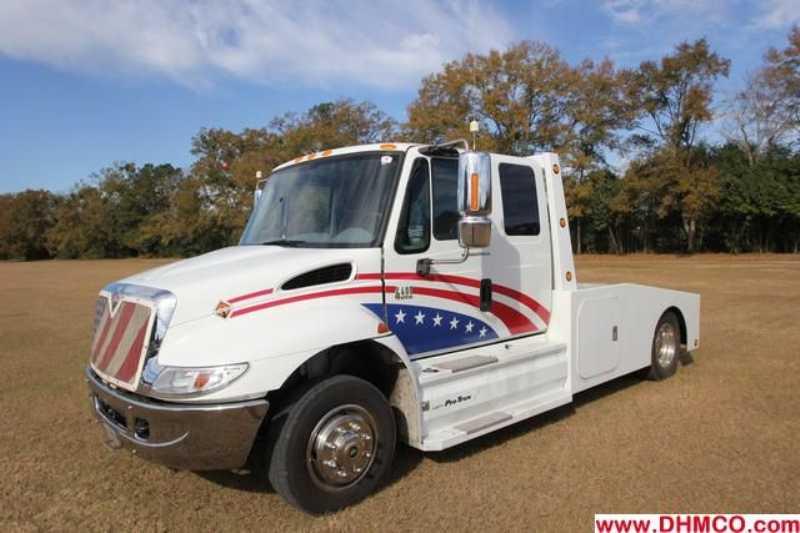 #79083 - Used 2003 International 4400 Truck
