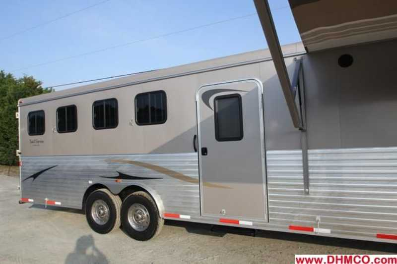 #03027 - New 2013 Bison Ranger 8414LSOBKMT 4 Horse Trailer  with 14' Short Wall