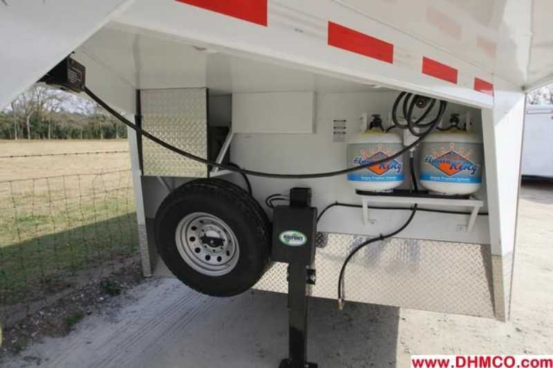New 2013 Bison 4 Horse Slant Trailer