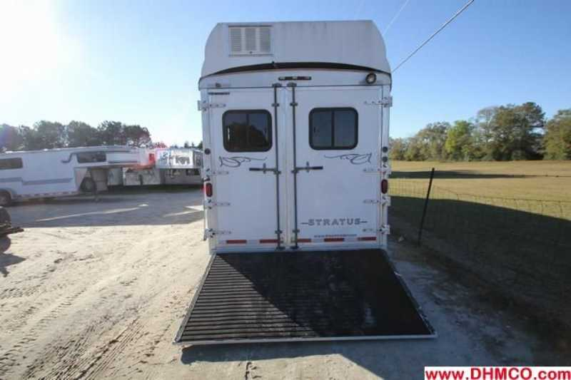 Used 2005 Bison 4 Horse Slant Trailer