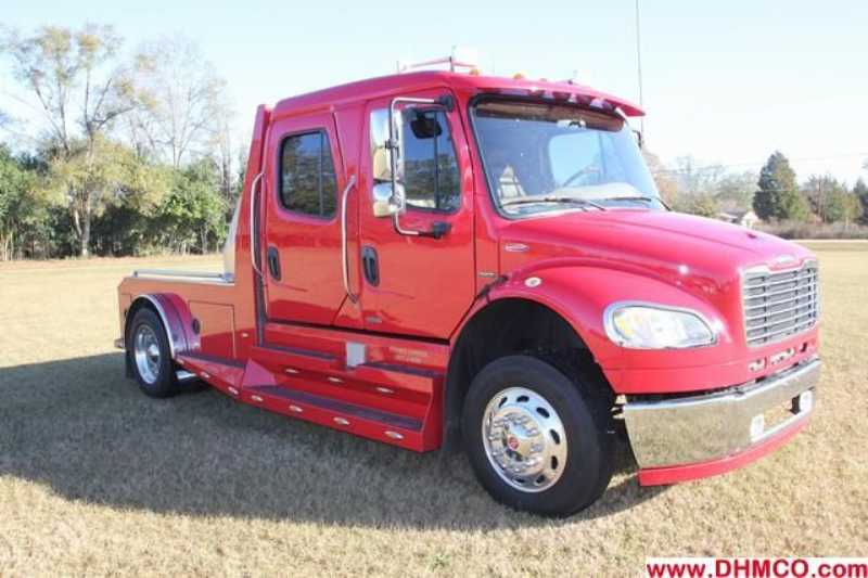 Used 2007 Freightliner Medium Duty Truck Trailer