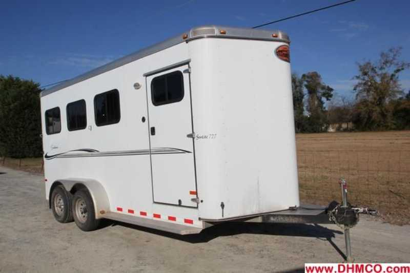 #A3061 - Used 2010 Sundowner 3HBP 727 3 Horse Trailer with 2' Short Wall
